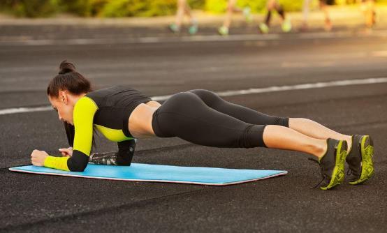 平板支撑的减肥效果 每天做平板支撑的好处