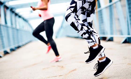 在跑步时要注意五个小细节 错误跑姿让你小腿变粗