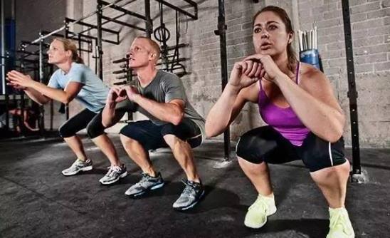 跳跃运动来减肥 波比跳VS开合跳
