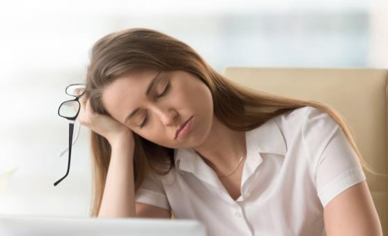 疲劳时别只会喝咖啡 日常多补充维生素D解乏效果好