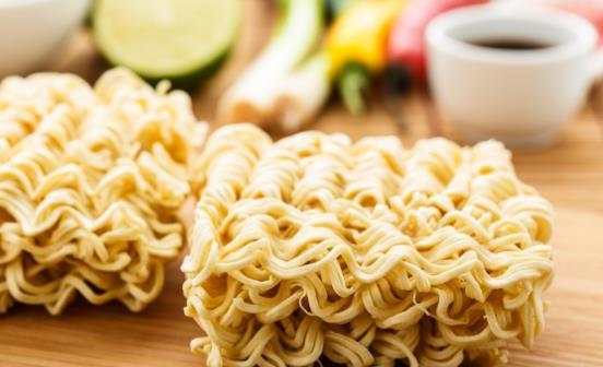 方便面是不是垃圾食品 方便面多吃真的不利于健康