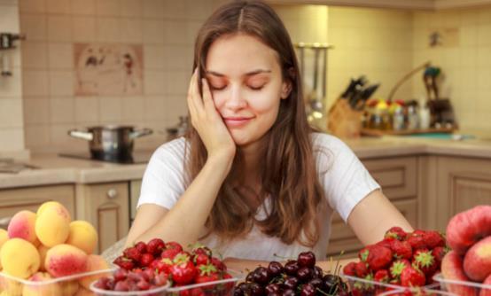 饭后六个不良习惯堪比慢性自杀 饭后八不急