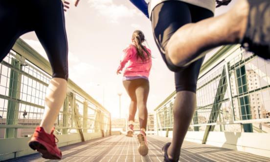 跑步会让我们活的更久 但并不是跑得越多就越好!