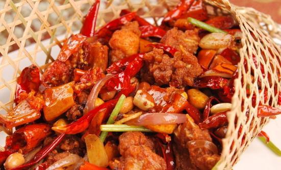 好吃的辣子鸡四种做法 自己动手做更加诱人