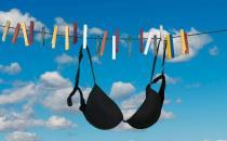 女人如何选择胸罩保护乳房健康 日常生活中乳房如何保健