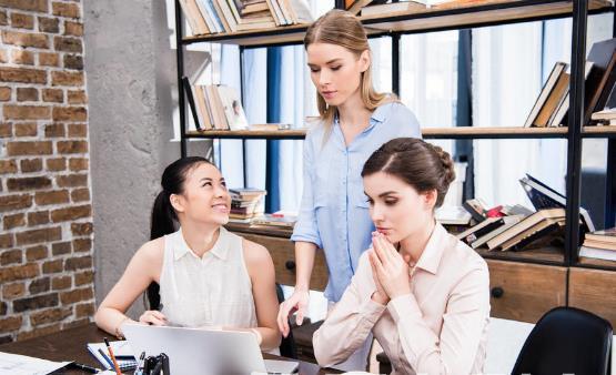 职场中如何拉近同事关系 办公室哪些社交礼仪影响人际关系
