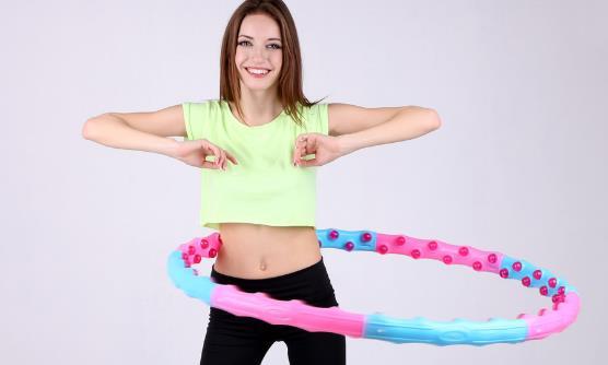 如何使用呼啦圈减肥 正确的转呼啦圈方法分享