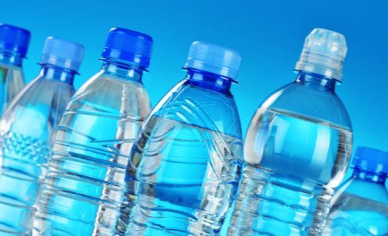 多喝水不如会喝水 老人养生喝好三杯水