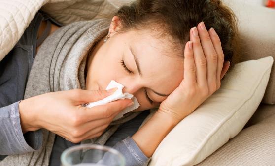 用吃来缓解感冒 少吃多餐及时补水