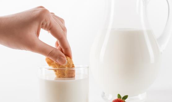 爱喝香浓牛奶的人小心肥死 四招选购安全牛奶饮品
