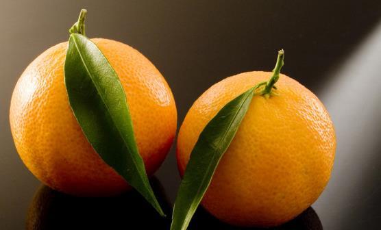 吃橘子清新口气去除口臭 橘子并不是吃的越多越好