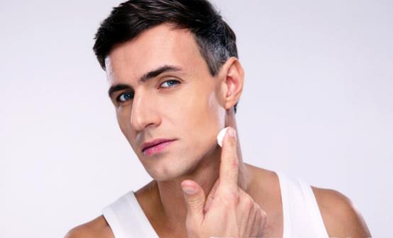 男士美肤要做到早睡早起 男性皮肤护理六大事项