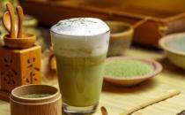 一杯奶茶要跑步6公里才能消耗 想减肥先杜绝易长胖的食物