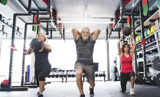 最适合老年人的健身运动 空转呼啦圈健腰椎