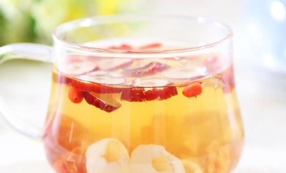女人冬天补气血 经前喝桂圆红枣汤来改善