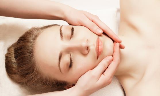 毛孔堵塞该怎么办呢 疏通皮肤毛孔减轻油腻感有妙招