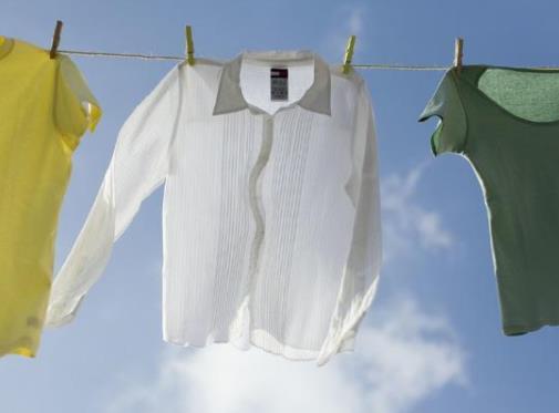 阴雨天怎么晾衣服干得快 阴雨天晾衣服防臭技巧