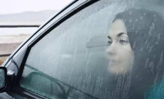 偷偷告诉你让车窗不再起雾的小窍门