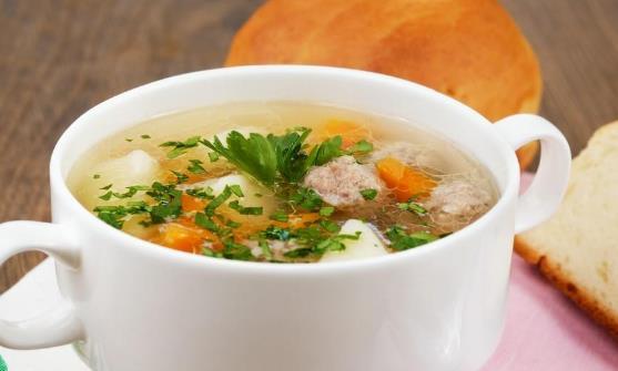 关于喝汤的讲究 这6类人群不能随意喝汤