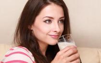 六种如同服毒的喝奶方式 牛奶适合的8类人群