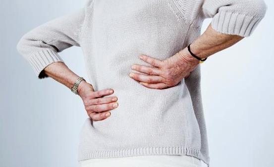 冬季老人护腰的注意事项 推荐老人护腰的食疗方