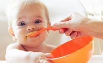 防止宝宝吃盐过多伤害肾脏 宝宝吃盐的注意事项