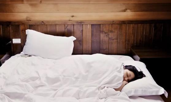 健康知识:揭示错误的七种睡眠方式 正确的睡眠与养生