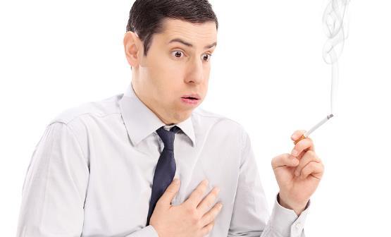 男人吸烟的十大危害 戒烟可以借助戒烟工具