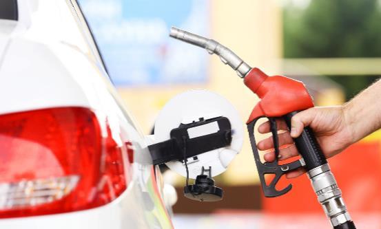 增加爱车油耗的用车习惯 关于汽车加油的小秘诀