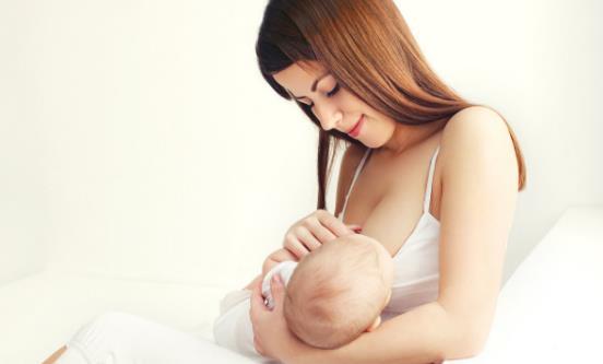 母乳妈妈如何提高母乳质量 吃什么调节母乳营养