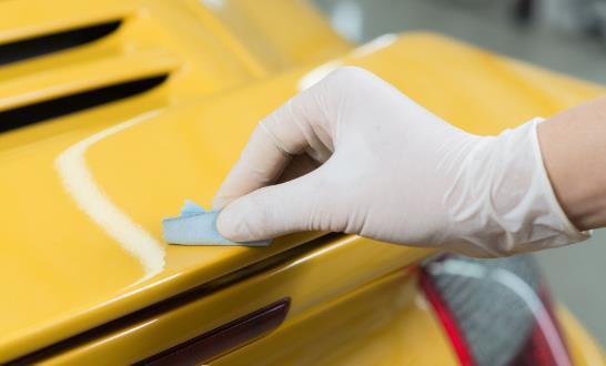 汽车划痕是如何产生的 汽车划痕简单处理小妙招