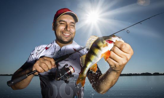 野外钓鱼防风小窍门 春季钓鱼有诀窍