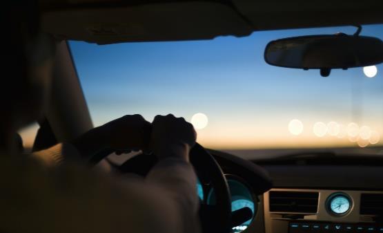 夜间安全开车的十三个要点 夜间行车时灯光使用的误区