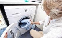 使用洗衣机方式不当比没洗之前更脏 清洁洗衣机两步走