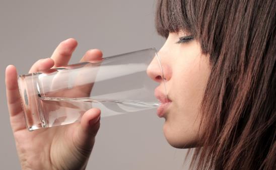温水接近体温营养更易被吸收 温开水日常妙用多多