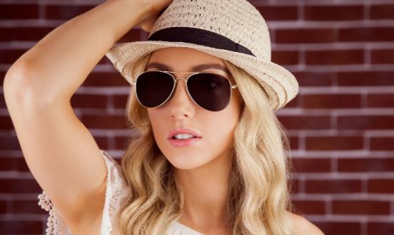 该怎么选择适合你的太阳眼镜 各种颜色太阳镜功能有所不同