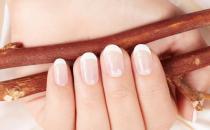 指甲保养也是一门学问 如何处理指甲表面不光滑的情况