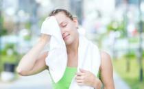 经常出汗也是病 4种疾病可引起多汗症