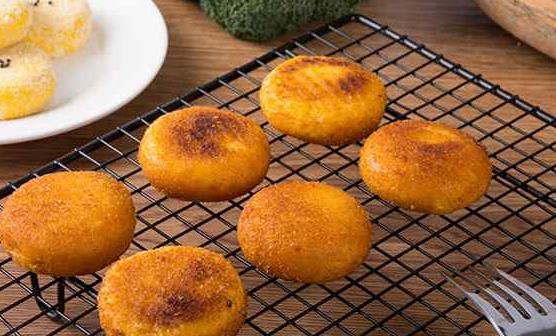 南瓜饼的食疗作用 南瓜饼好吃又简单的做法