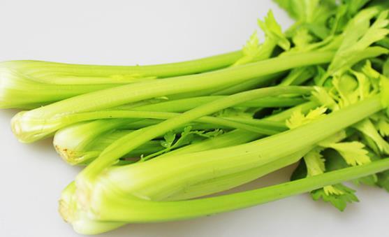 芹菜清热利湿 芹菜的5种制作烹饪方法