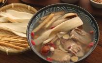 老火汤食材搭配最重要 老鸭汤加山药功效倍增