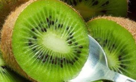 白领女性防辐射必吃的10种食物 推荐日常防辐射方法