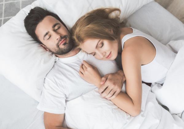 男人为什么在同房后汗流浃背?过夫妻生活时,坚持多久才算正常?