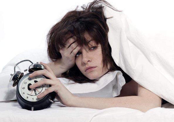 女性失眠怎么办 哪些行为会加重失眠 寻求并消除失眠的原因