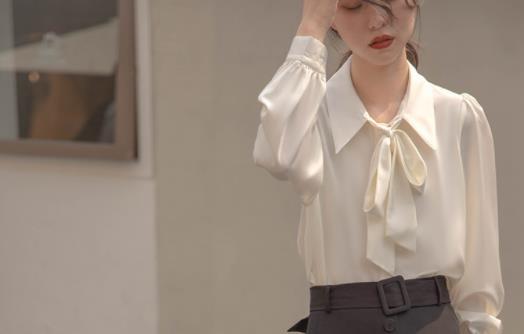 衬衣蝴蝶结怎么打 衬衣下摆蝴蝶结如何系